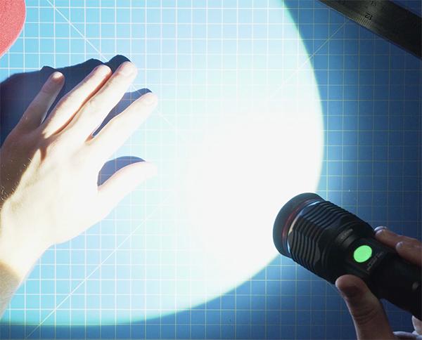 đèn pin led chiếu sáng 1