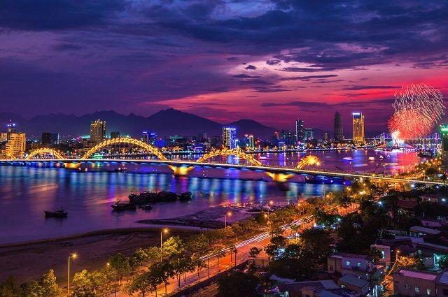 Mách nhỏ phái đẹp nên mặc gì khi đi du lịch Đà Nẵng