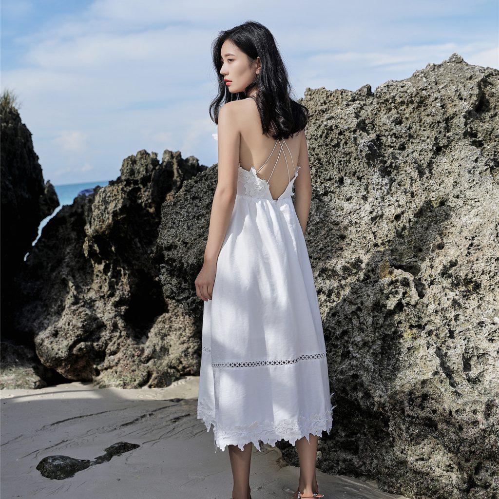 Trang phục đi biển với váy maxi cực dịu dàng