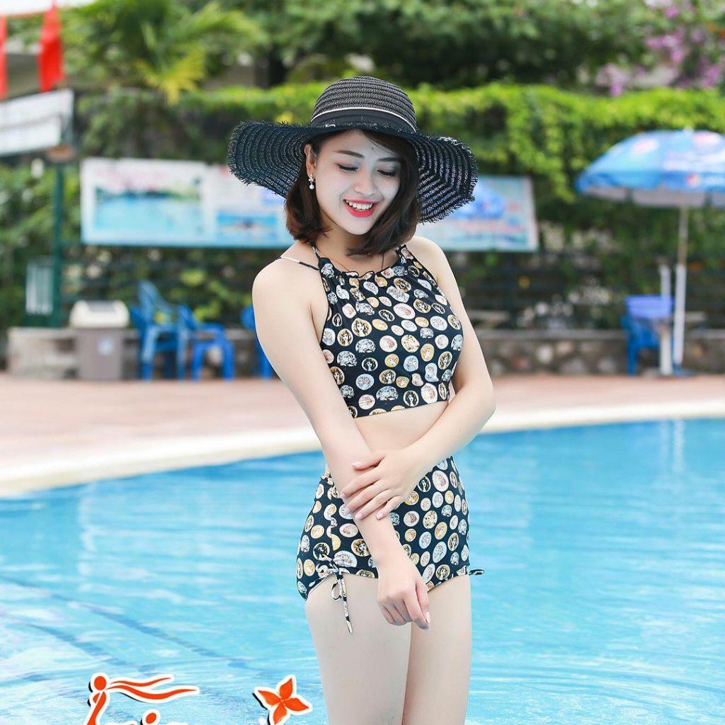 trang phục đi biển bikini