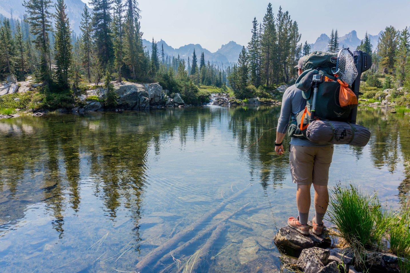 Hiking là một hoạt động có tính chất kết hợp giữa thể thao và du lịch