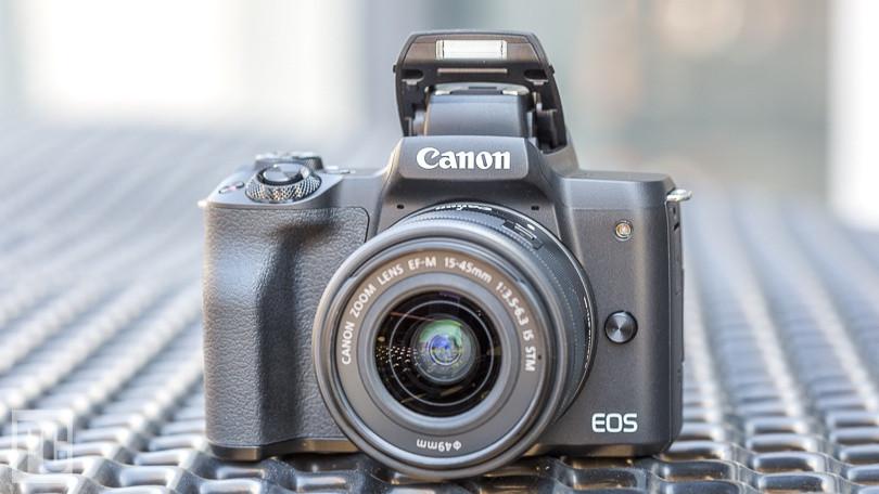 Vì sao nên mua máy ảnh không gương lật đi du lịch