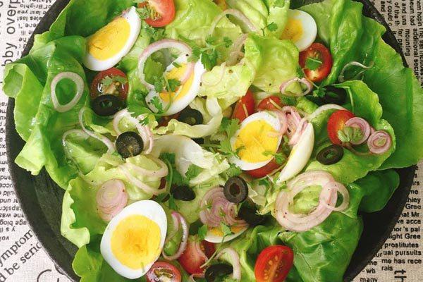 Khai vị vơi Salad